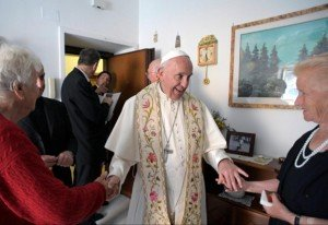 pope-francis-door-to-door-300x206